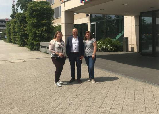 Praktikandid koos Radissoni Frankfurdi piirkonna müügijuhiga