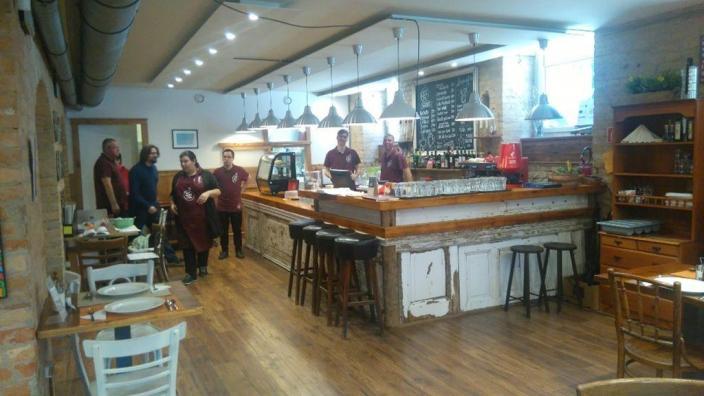 Vaade kohvik-restorani siseruumile
